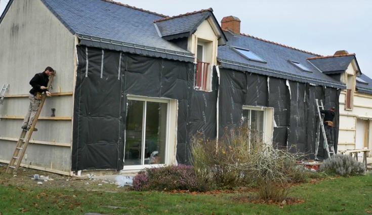 Rénovation par l'extérieur de la façade d'une longère avec Triso-Bardage (44)